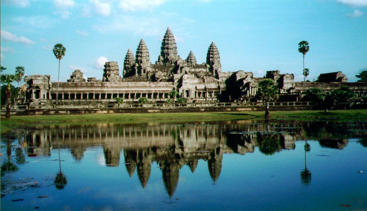 Đến Campuchia khám phá... cái u con bò